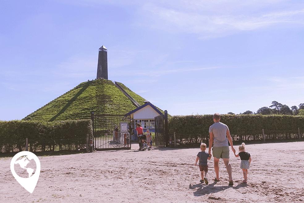 pyramide-van-austerlitz-met-kinderen