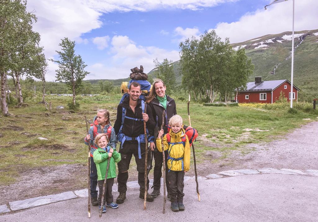 Inspirerend gezin: wildkamperen met kinderen in Zweden