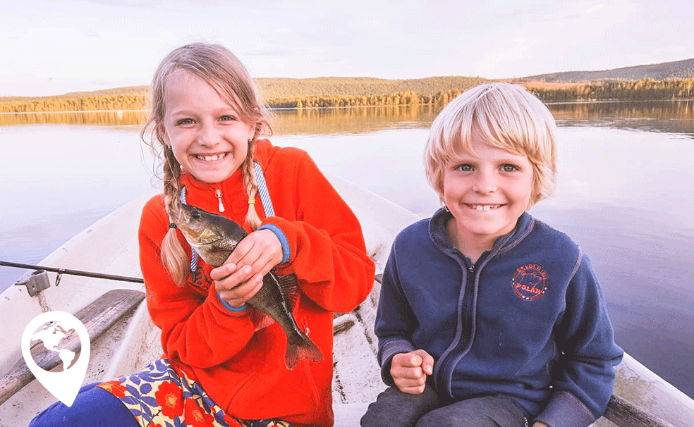Wildkamperen met kinderen eigen vis vangen