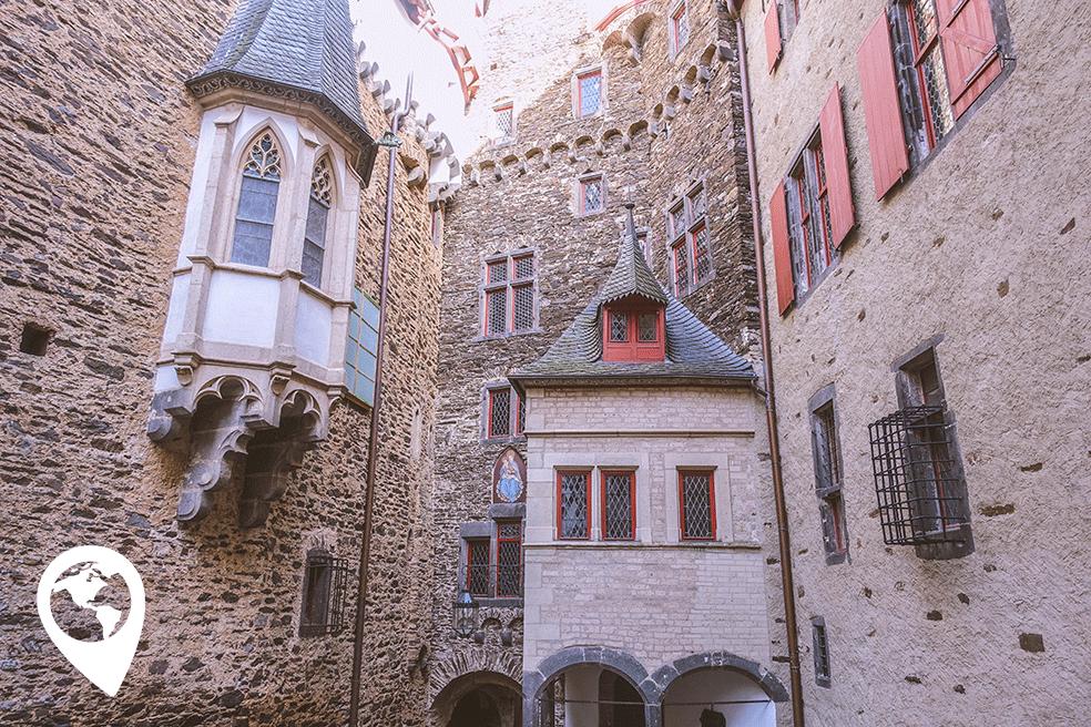 Burg Eltz met kinderen - binnen