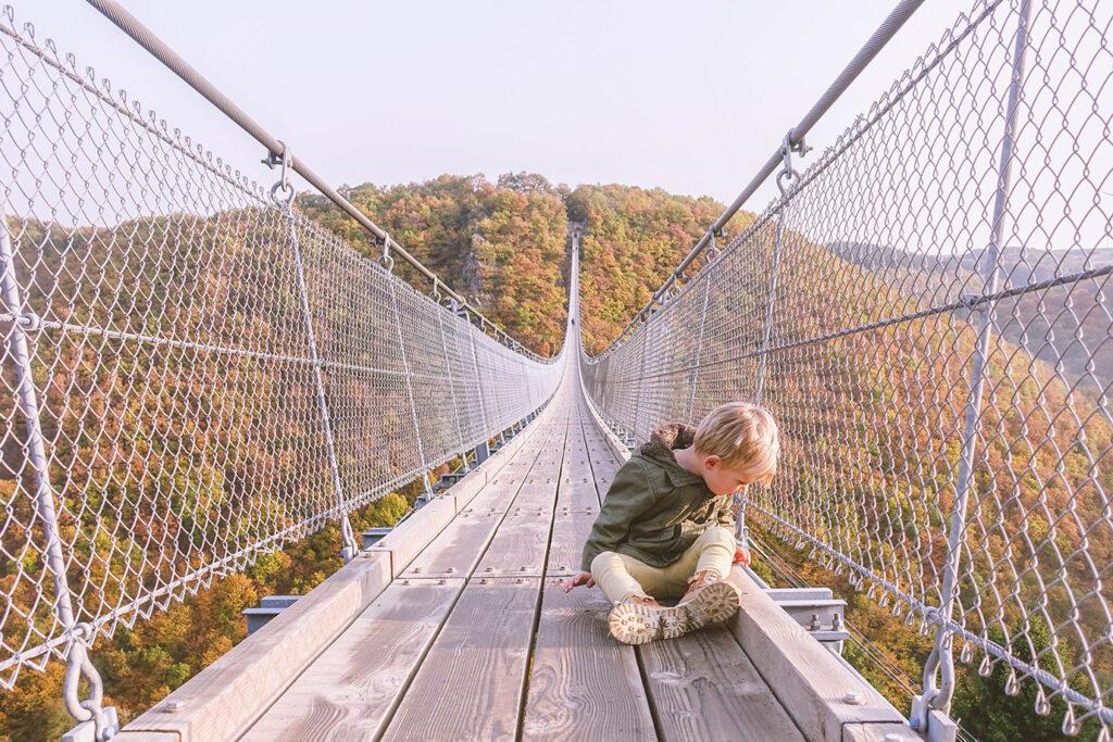 De Geierlay hangbrug met kinderen: durf jij naar de overkant?