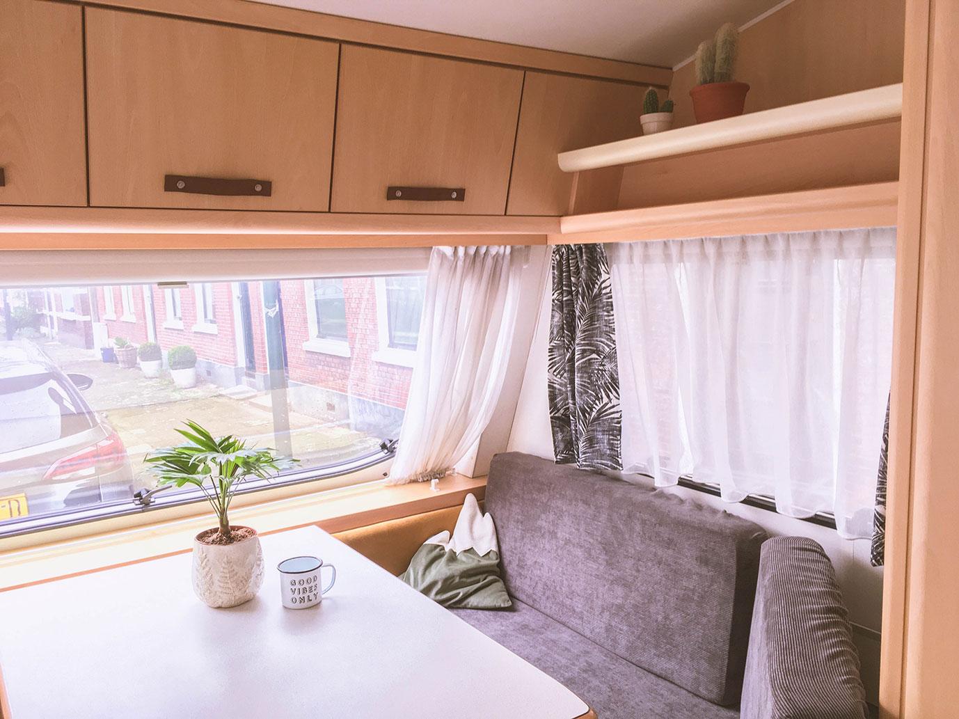 http://kleineglobetrotter.nl/wp-content/uploads/2018/04/caravan-restyling-bijna-klaar.jpg