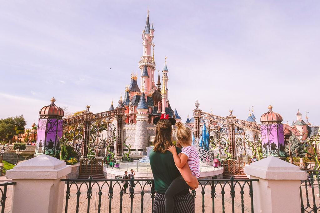 Disneyland Parijs bespaartips: zo goedkoop mogelijk met je gezin naar Mickey Mouse