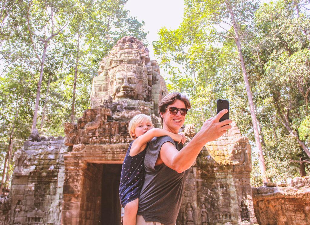 Inspirerend gezin: als weduwe alleen op wereldreis met peuter