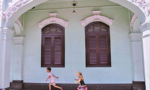 phuket-old-town-met-kinderen