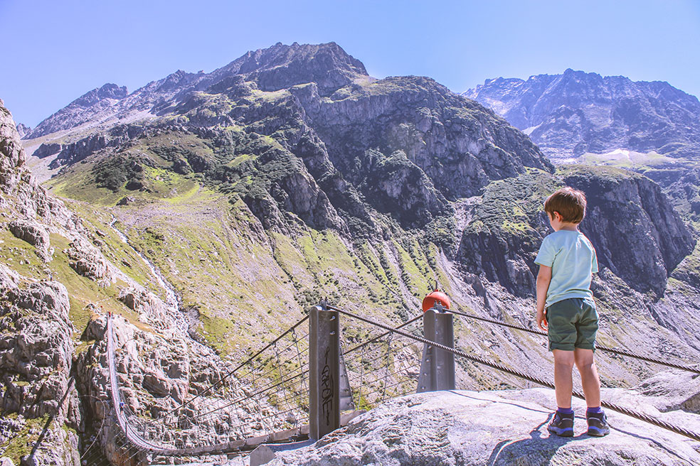 de Triftbrücke - kamperen in Zwitserland met kinderen